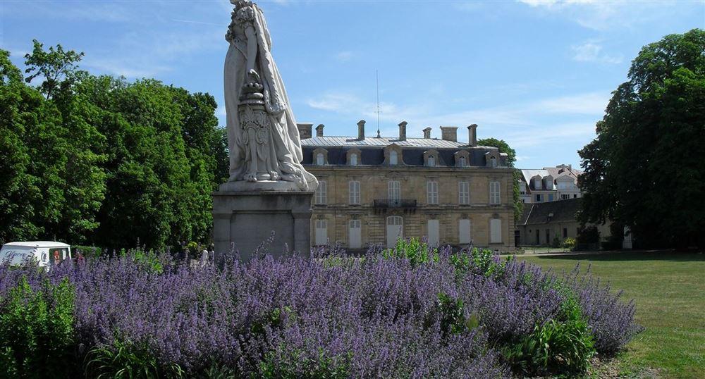 Une promenade dans les parcs et ch teaux de rueil malmaison - Chateau de beauharnais ...