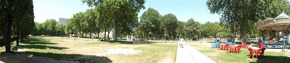 Visite de paris parc de bercy tr s grande biblioth que for Jardin yitzhak rabin
