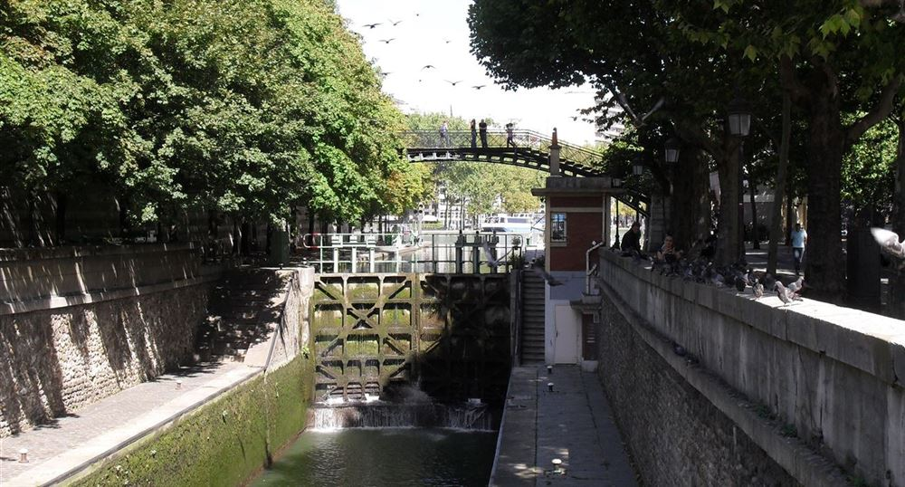Lock of the villette basin