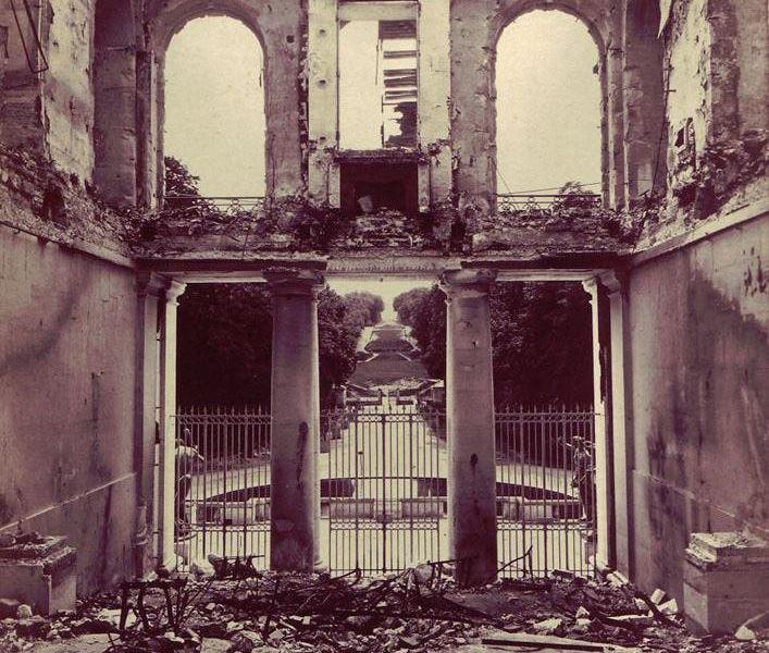 Le château après l'incendie