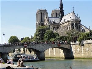 Paris on the Seine River: the banks of the seine
