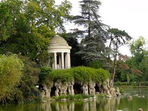 Bois de Vincennes à Paris: tour du lac Daumesnil