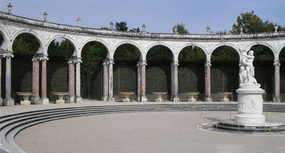 Grove of the Colonnade