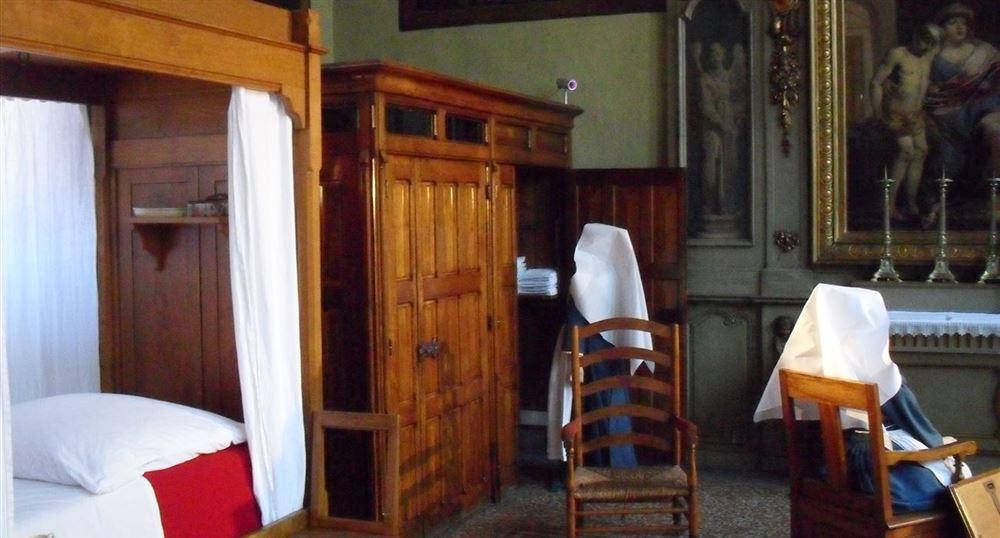 Visite de beaune en bourgogne l 39 h tel dieu les caves - Visiter hospices de beaune ...
