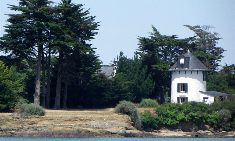 L'ile vue du rivage