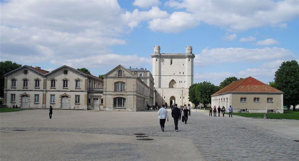 The courtyard of the Château de Vincennes
