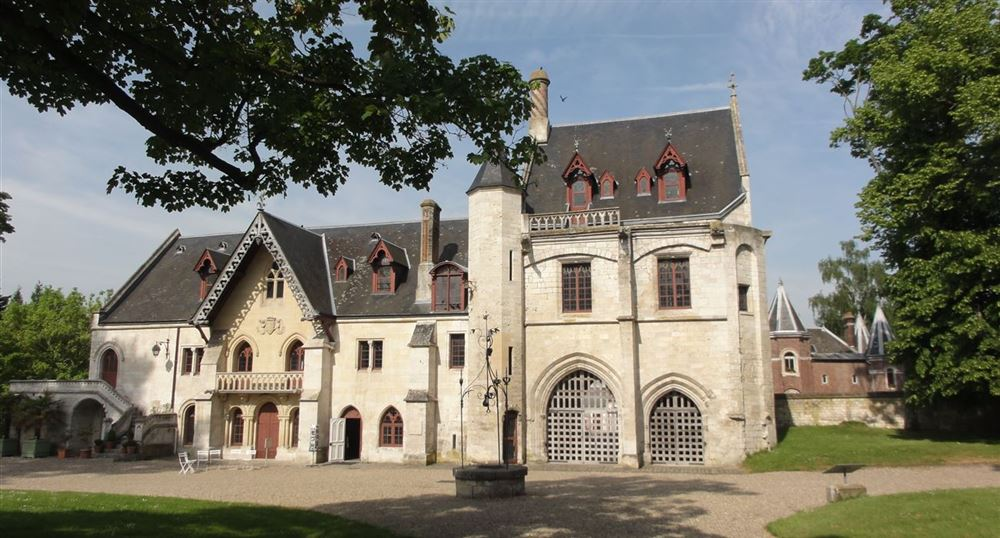 The entrance of the Abbey
