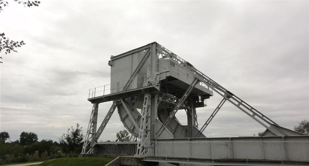 'The ''historic'' bridge'