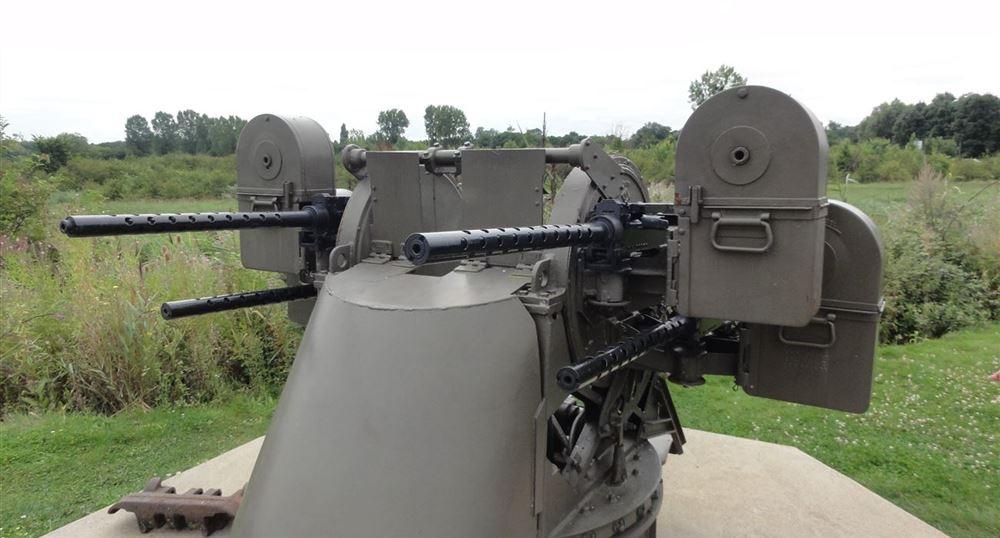 Anti-aircraft machine guns in the Museum.