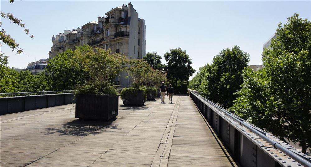 Passage au-dessus du Boulevard Diderot