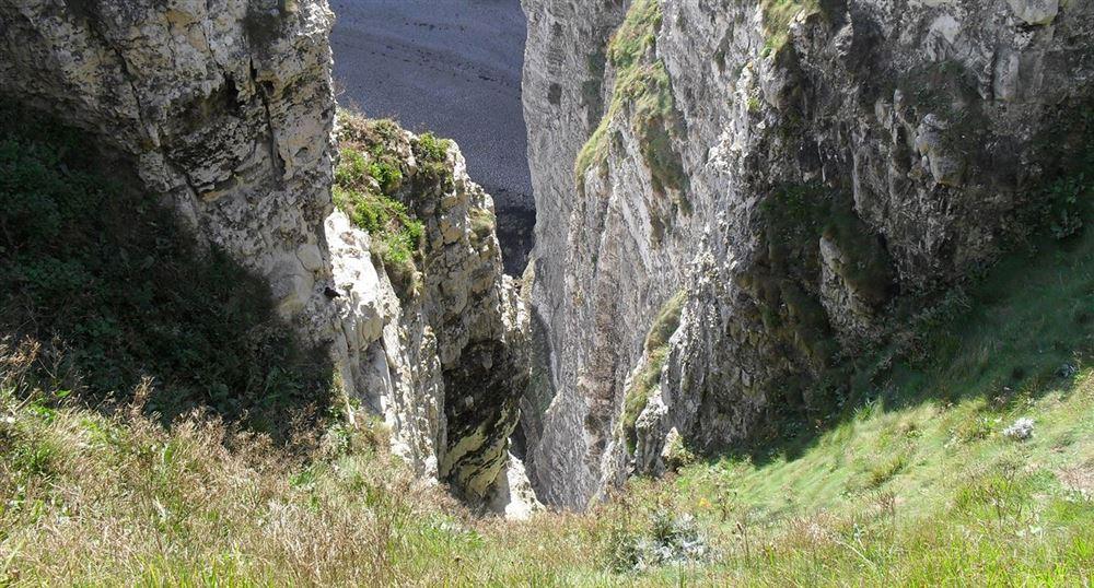 Vide au-dessus des falaises