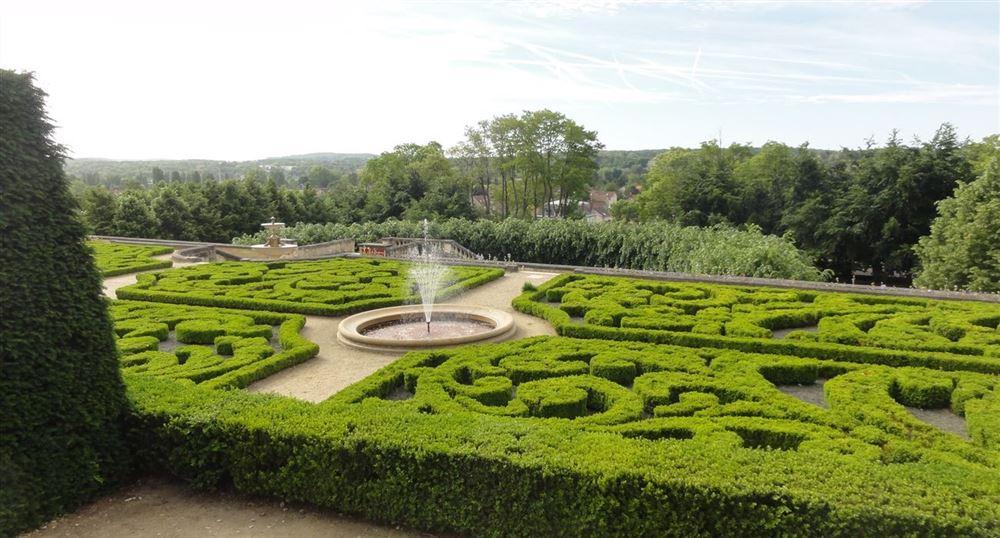 Park of the castle of Auvers