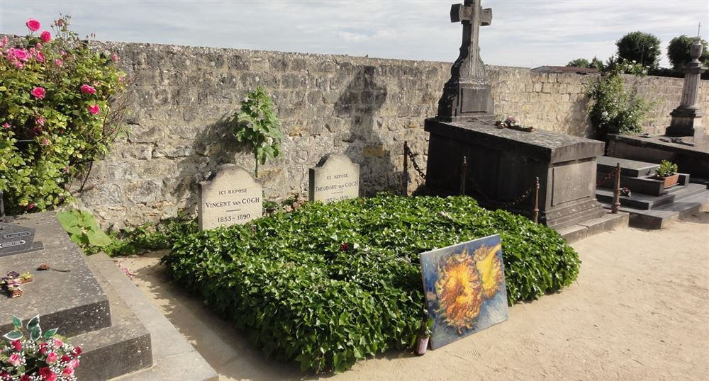 The graves of the Van Gogh