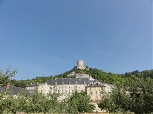 Visit of the Roche-Guyon and its castle