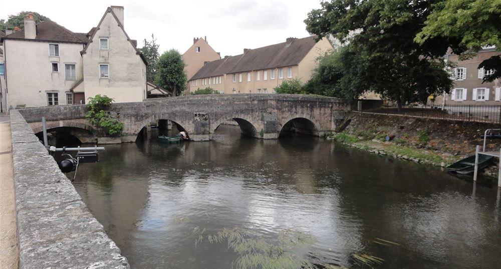 The bridge of Minimes