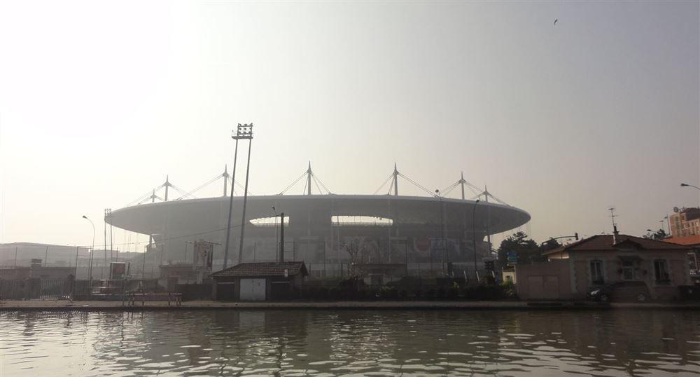 Le Stade de France vu du Canal Saint-Denis