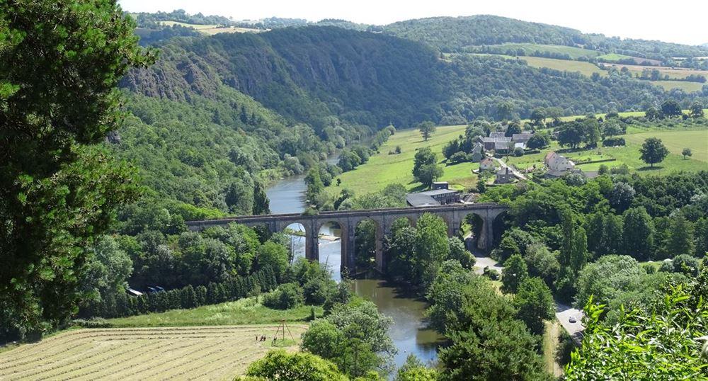Vue sur la vallée de l'Orne