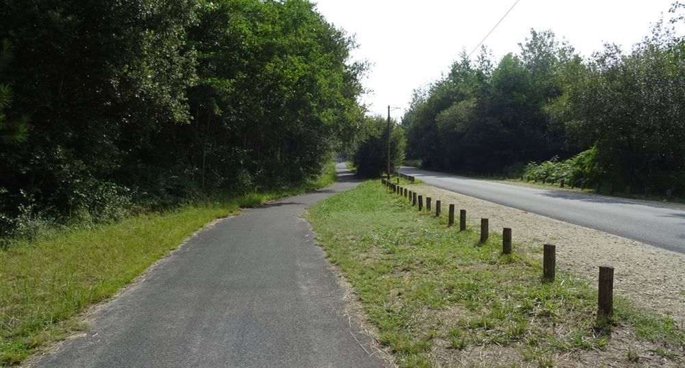 The road to the large beach