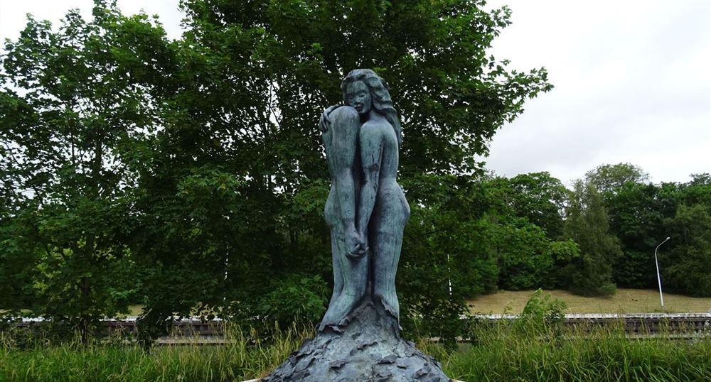 A very pretty statue