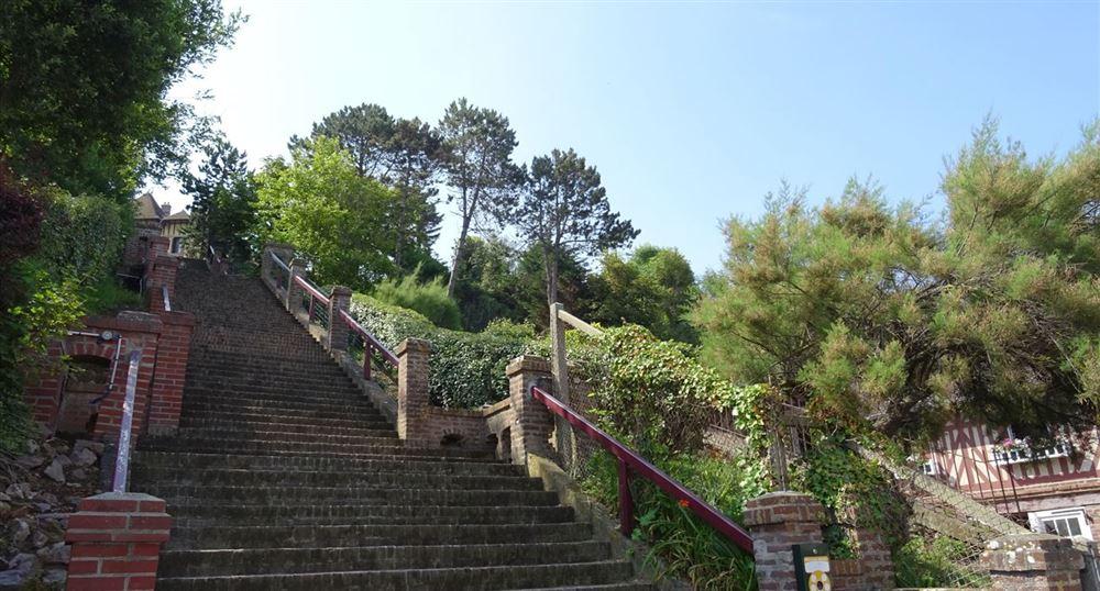 Les premiers escaliers