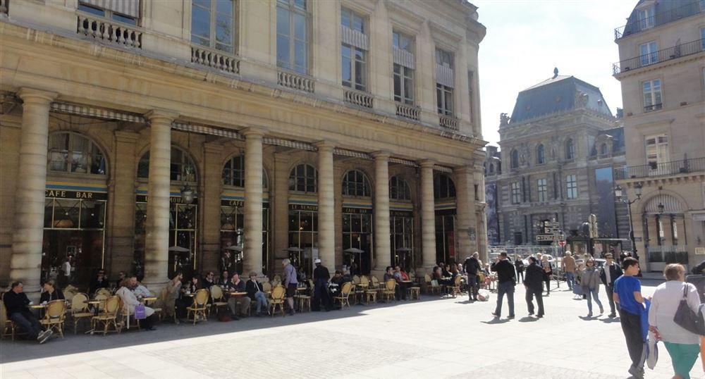 A café next to the Comédie-Française