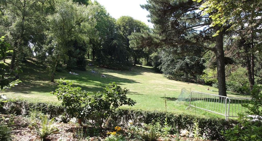 The lawns of the Montsouris Park