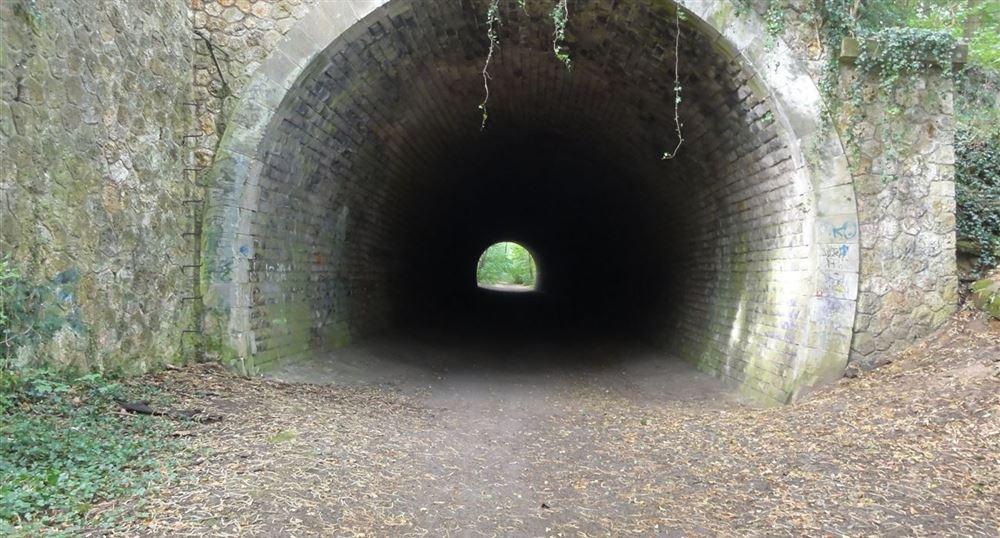 Le tunnel ferroviaire