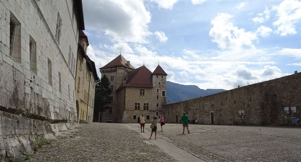 The inner courtyard of the castle of Annecy