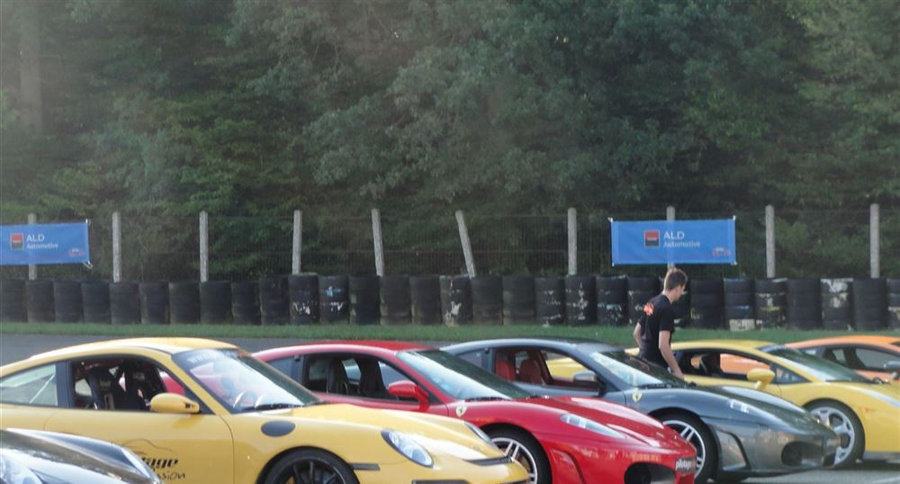 The cars on the Jean-Pierre Beltoise track