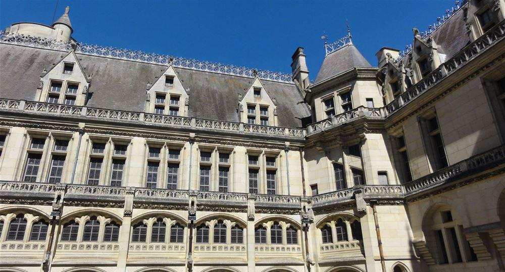 The façade of the Castle
