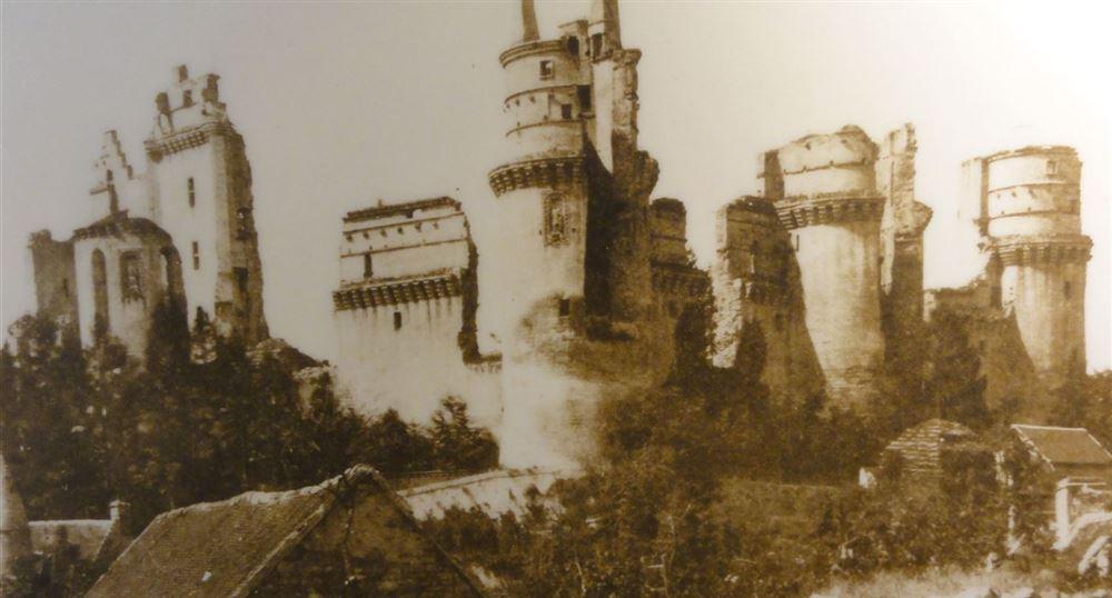 Vue du château avant la restauration
