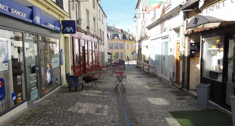 The town centre of Chevreuse