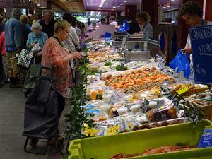 Le marché et le Fouquet's à Enghien-les-bains