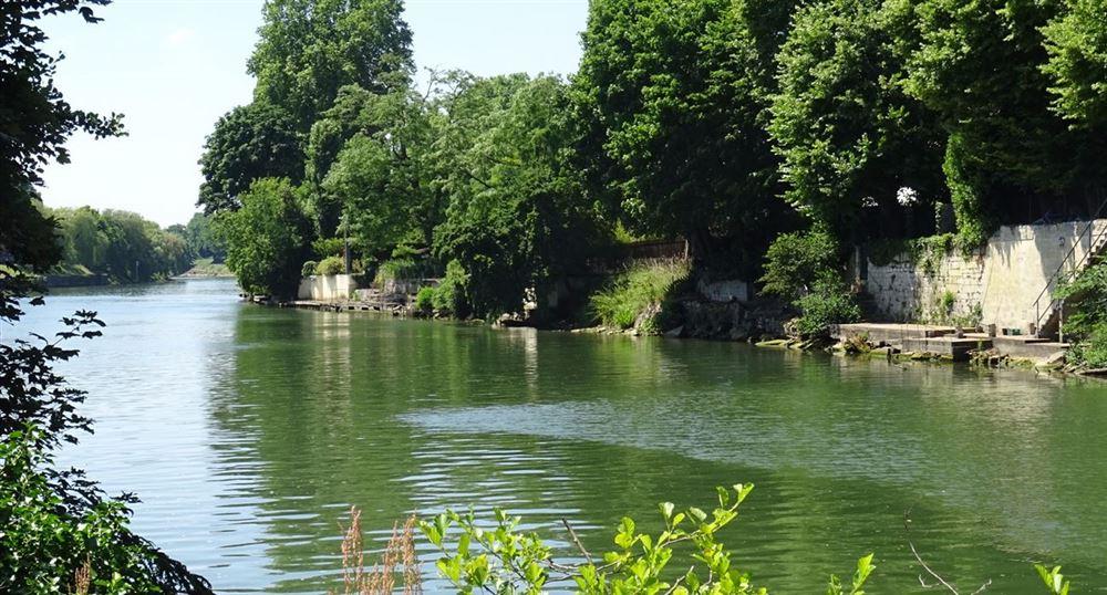 Back along the Oise