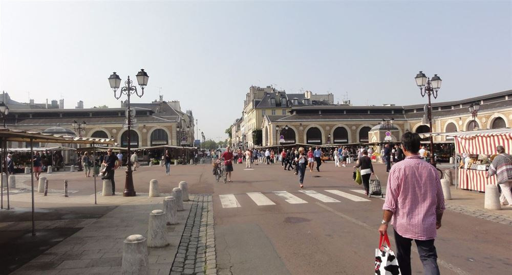 The Notre-Dame square