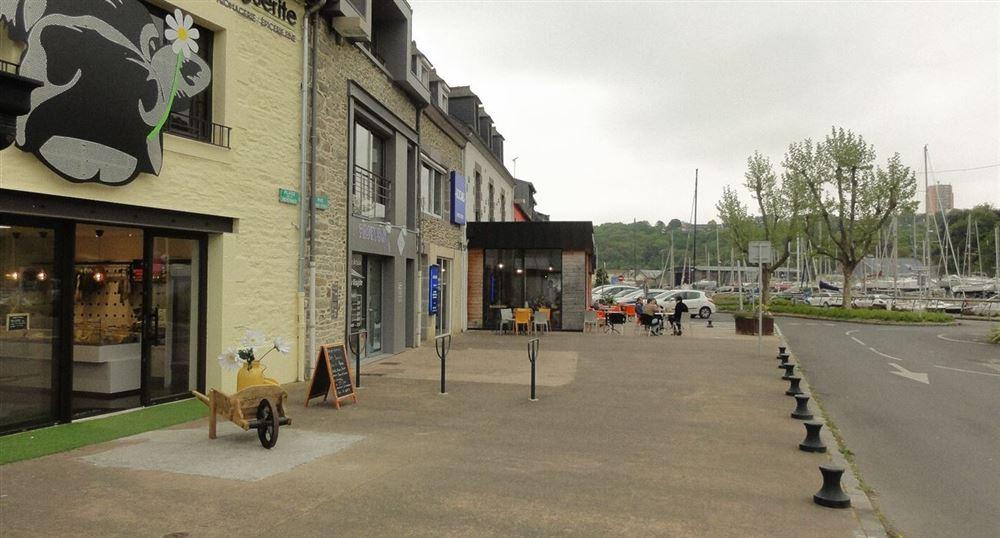 The restaurants on the port of Légué