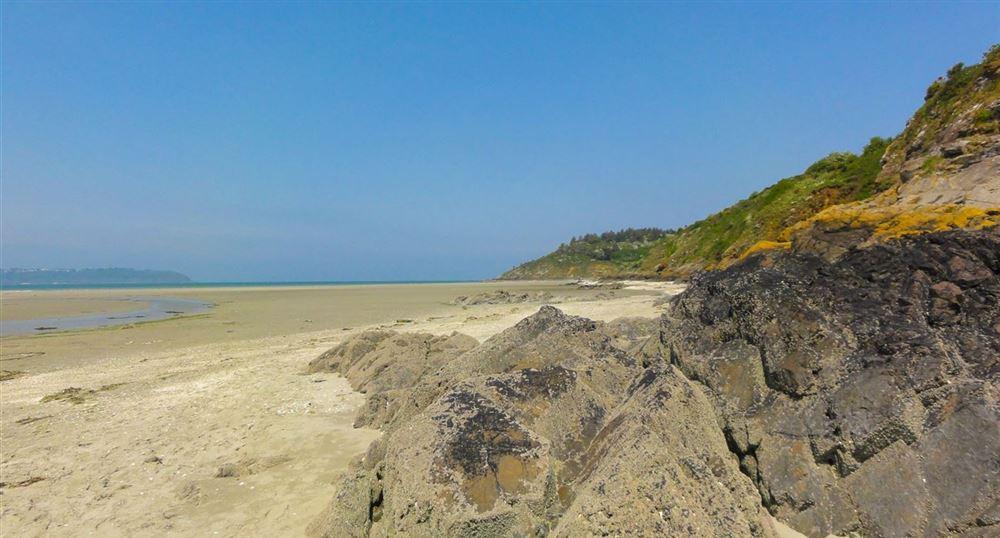 The beach of Saint-Guimond