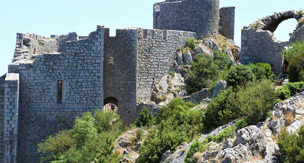 Un château en ruine