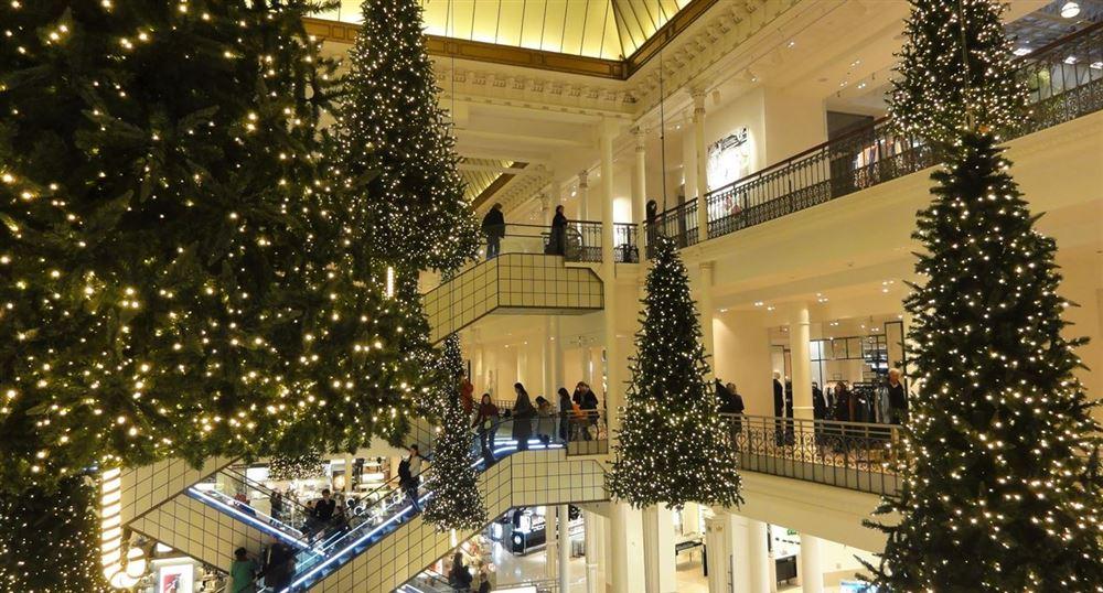 """Les décorations de Noël au """"Bon Marché"""""""
