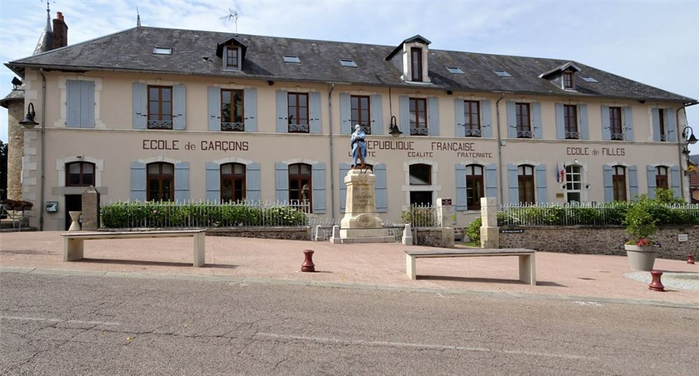 La mairie de Chaumard