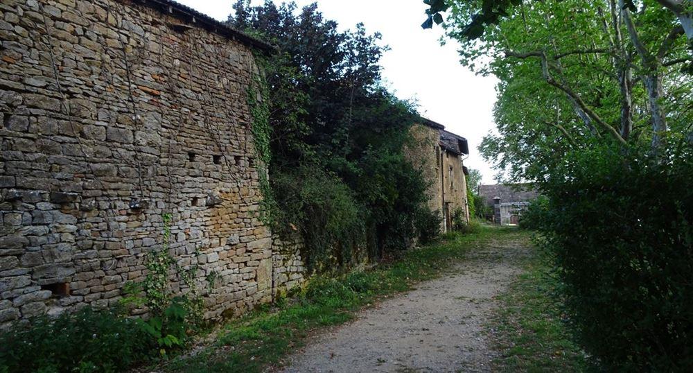Le village de Brancion