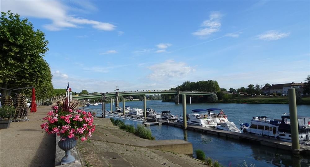 Along the quays of the Saône