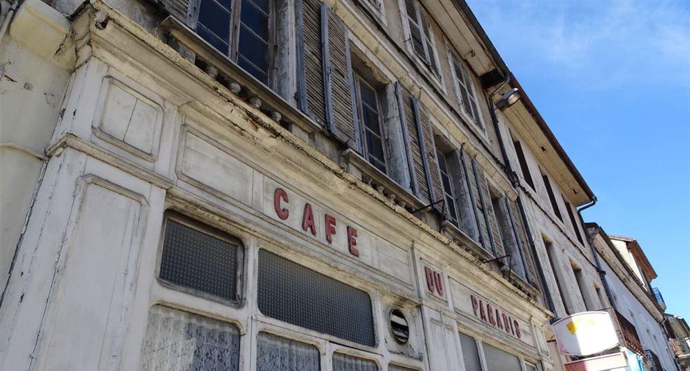 An old café