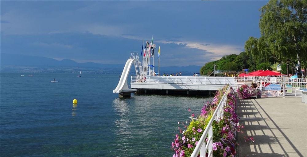 The municipal beach of Thonon-les-Bains