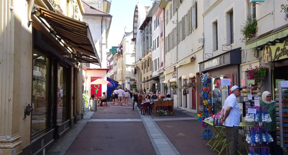 The shopping street
