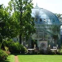 The garden of the greenhouses of Auteuil