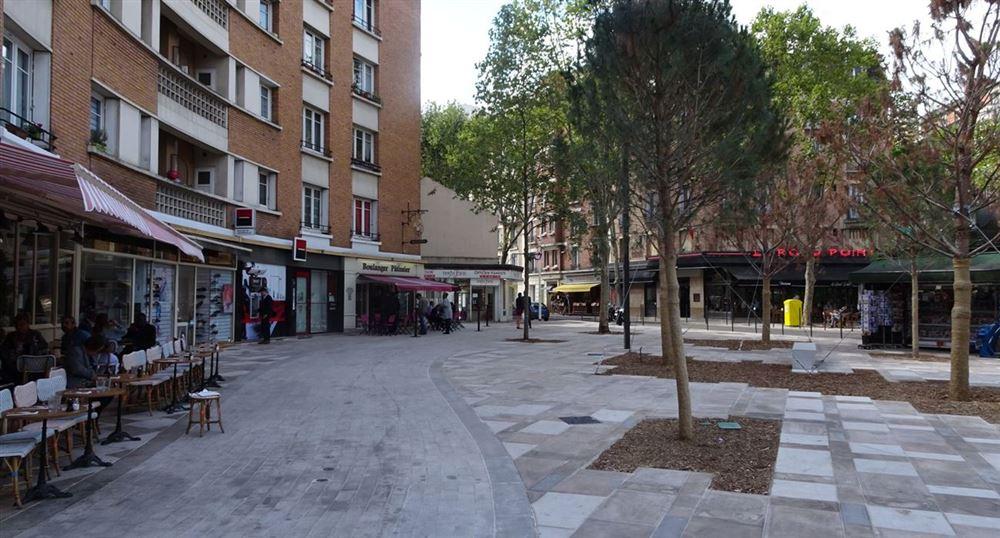 La place Jean Jaurès