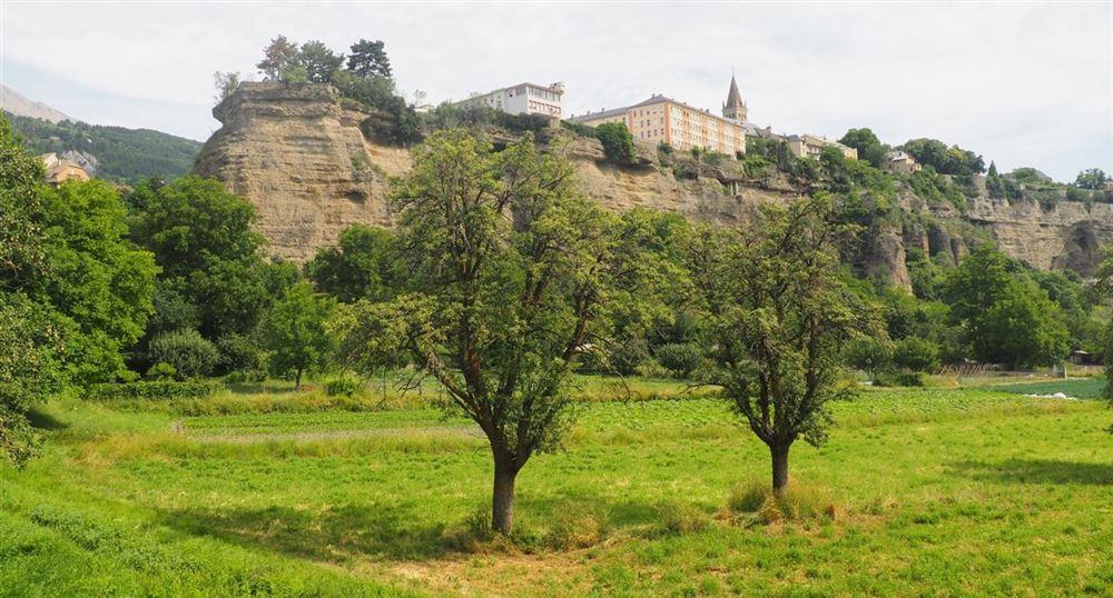 Vue de la ville d'Embrun