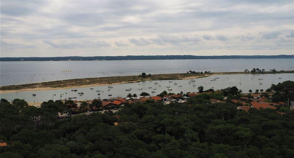 Vue sur le bassin d'Arcachon depuis le phare