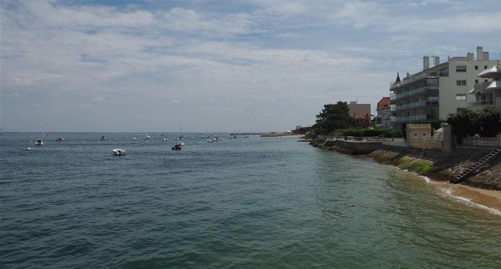 Le front de mer depuis la jetée de la Chapelle